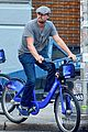 leonardo dicaprio citibike ride with lukas haas 01