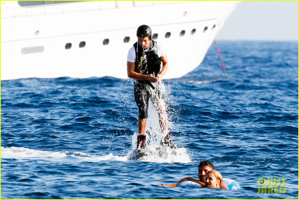 leonardo dicaprio goes shirtless after flyboarding in ibiza 142925568