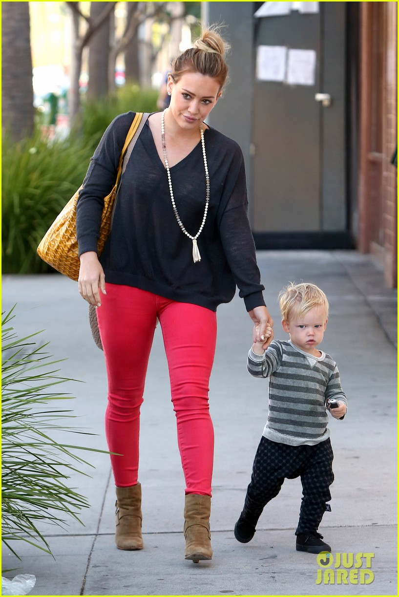 hilary duff has the perfect family says kelly osbourne 142934769