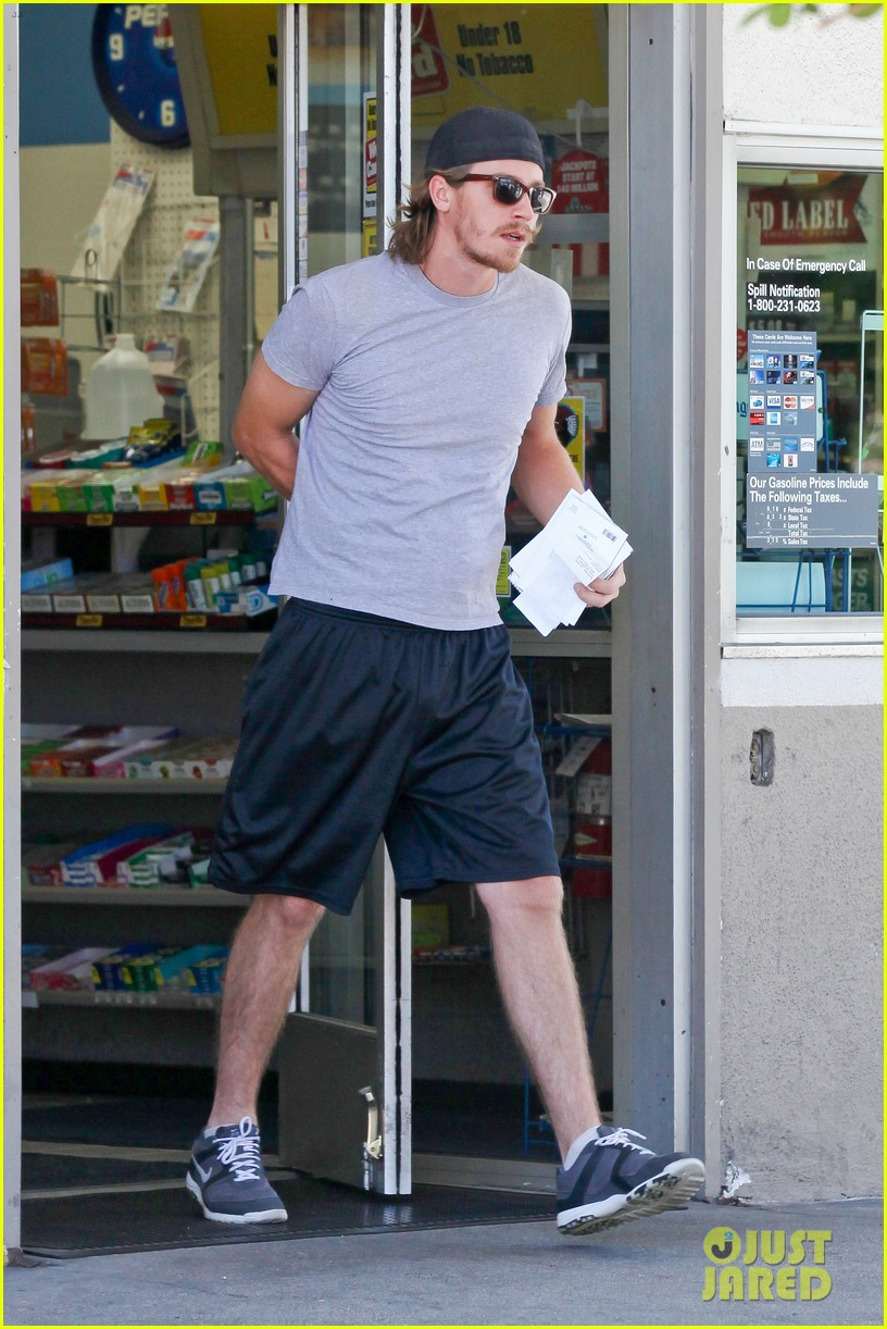 kirsten dunst garrett hedlund workout wednesday 08
