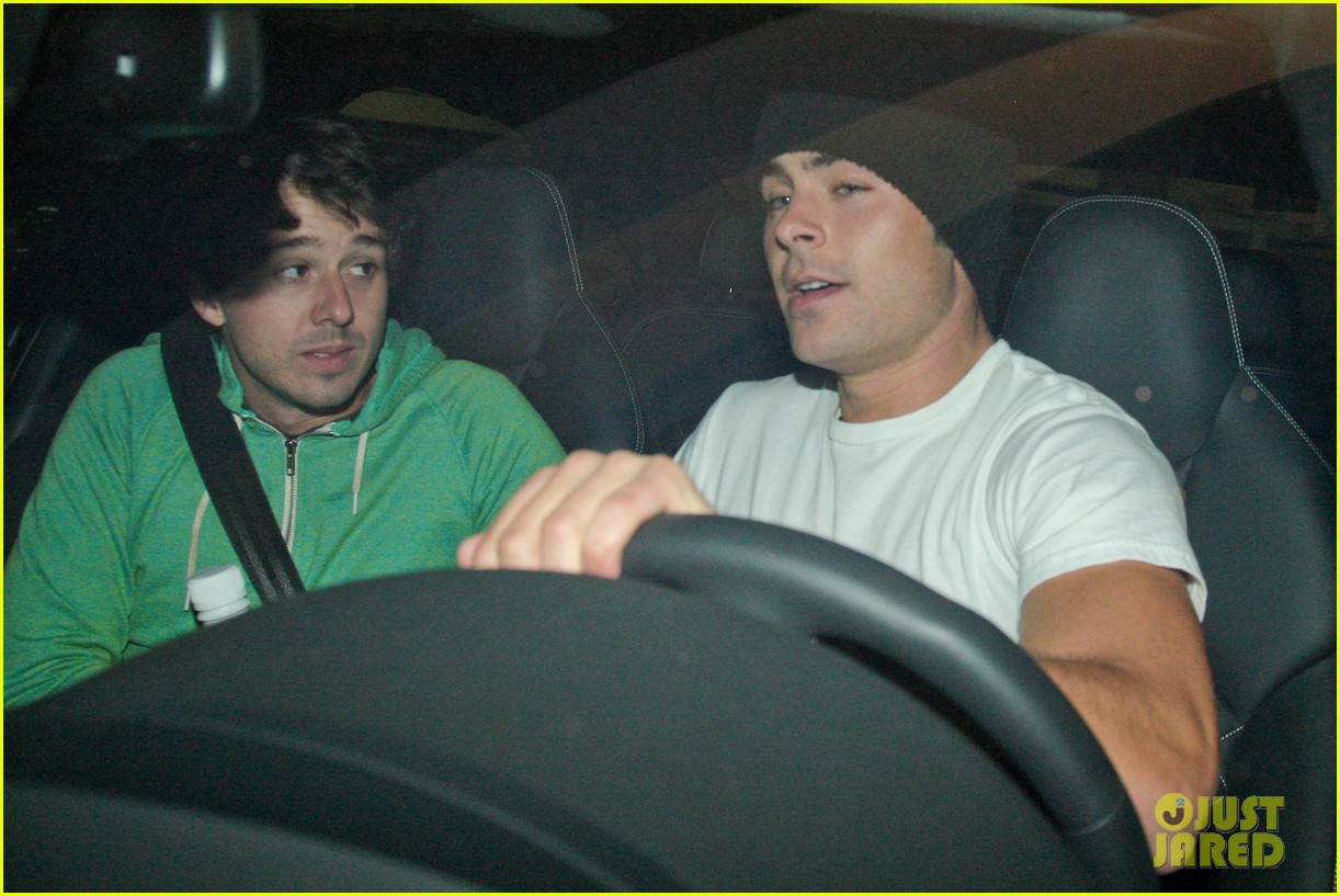 zac efron goes to the movies with a friend 06