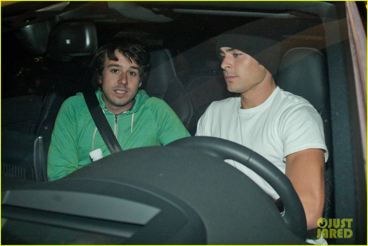 zac efron goes to the movies with a friend 08