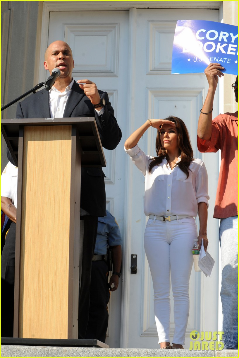 eva longoria supports cory booker for senate race 10