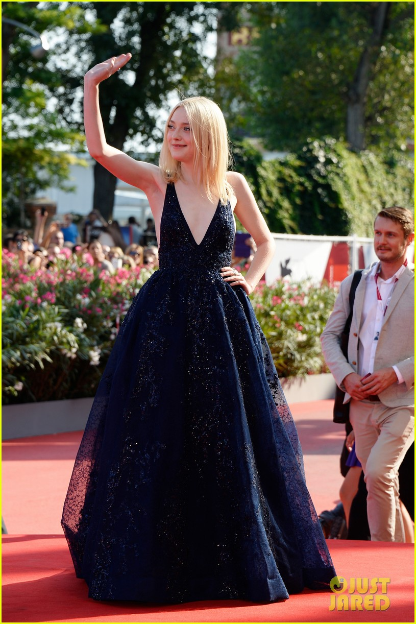 dakota fanning jesse eisenberg night moves venice premiere 012941187