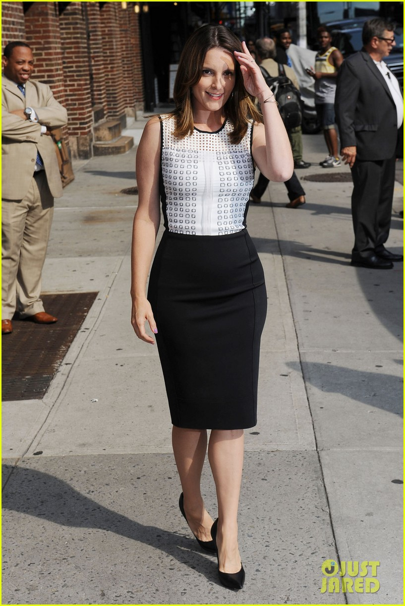 tina fey says shes a hot mess talks going to emmys 2013 04