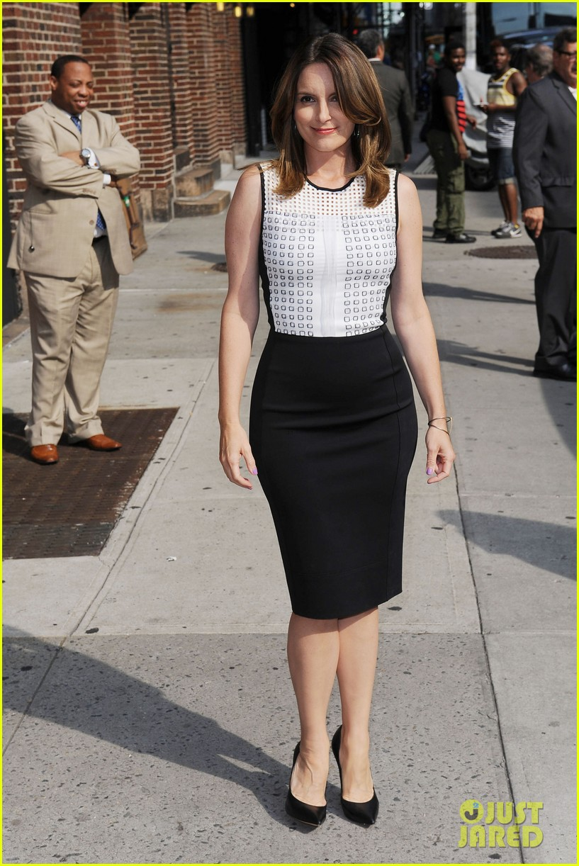 tina fey says shes a hot mess talks going to emmys 2013 09