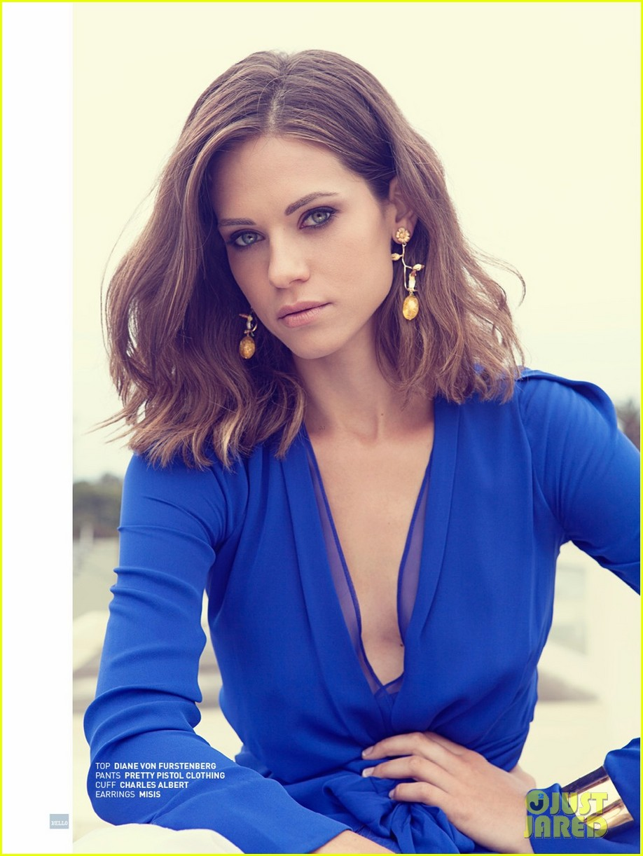 lyndsey fonseca covers bellos sexy issue august 2013 012933145