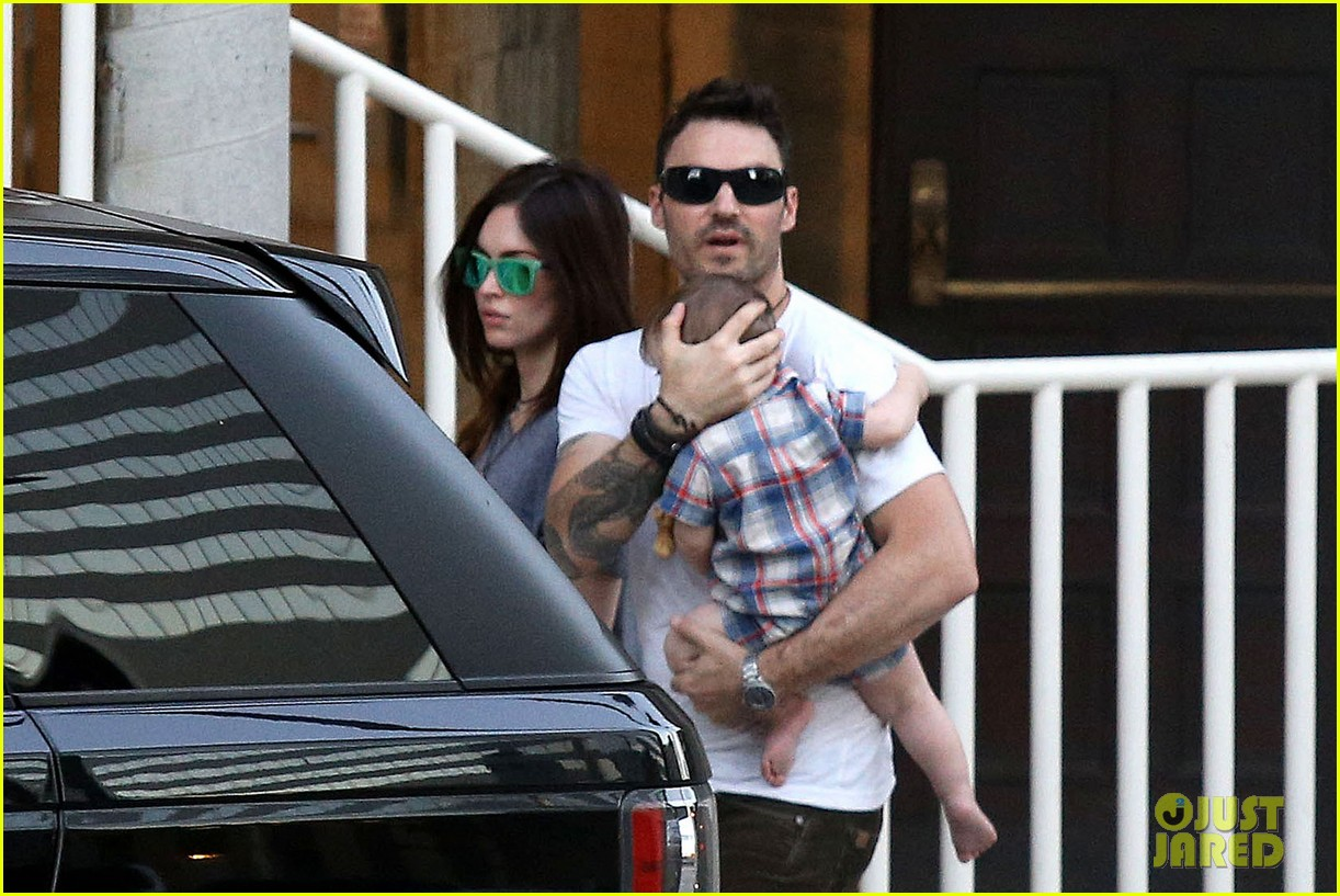 megan fox brian austin green sunday lunch with baby noah 032938127