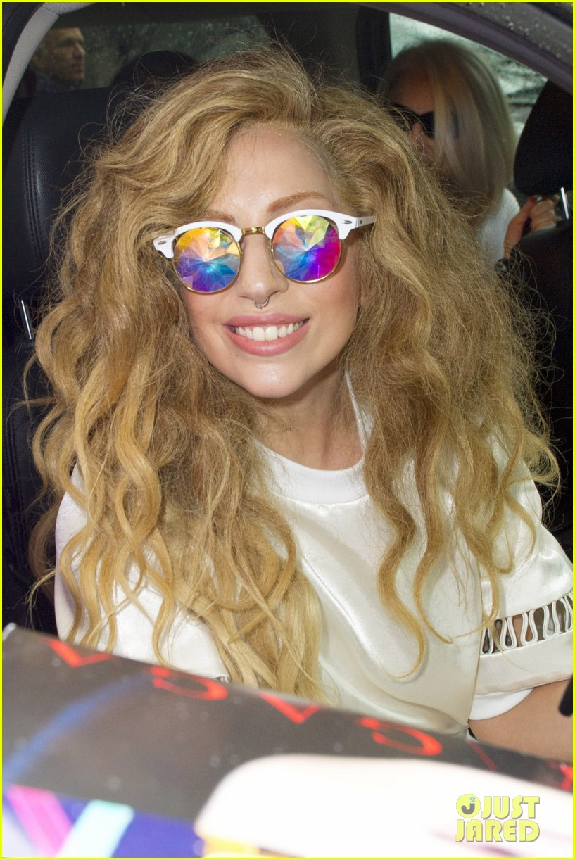 lady gaga the bigger the star the bigger the target 022935613
