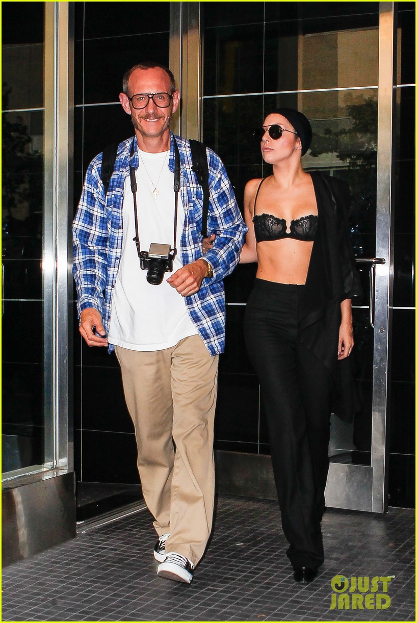 lady gaga wears bra at rehearsal with terry richardson 082936963
