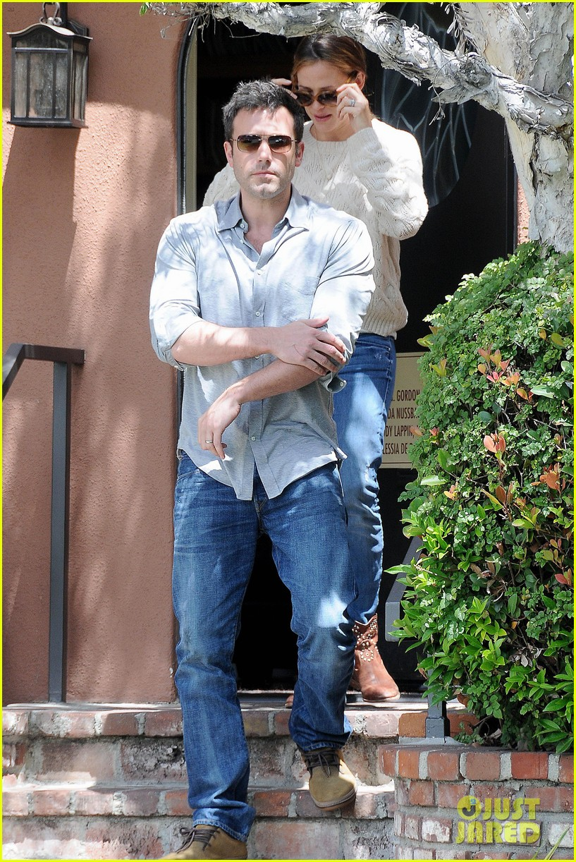 jennifer garner ben affleck share romantic weekend lunch 06
