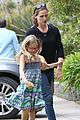 jennifer garner supports paparazzi law to protect children 02