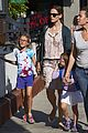 jennifer garner kids pick up pizza for dinner 09