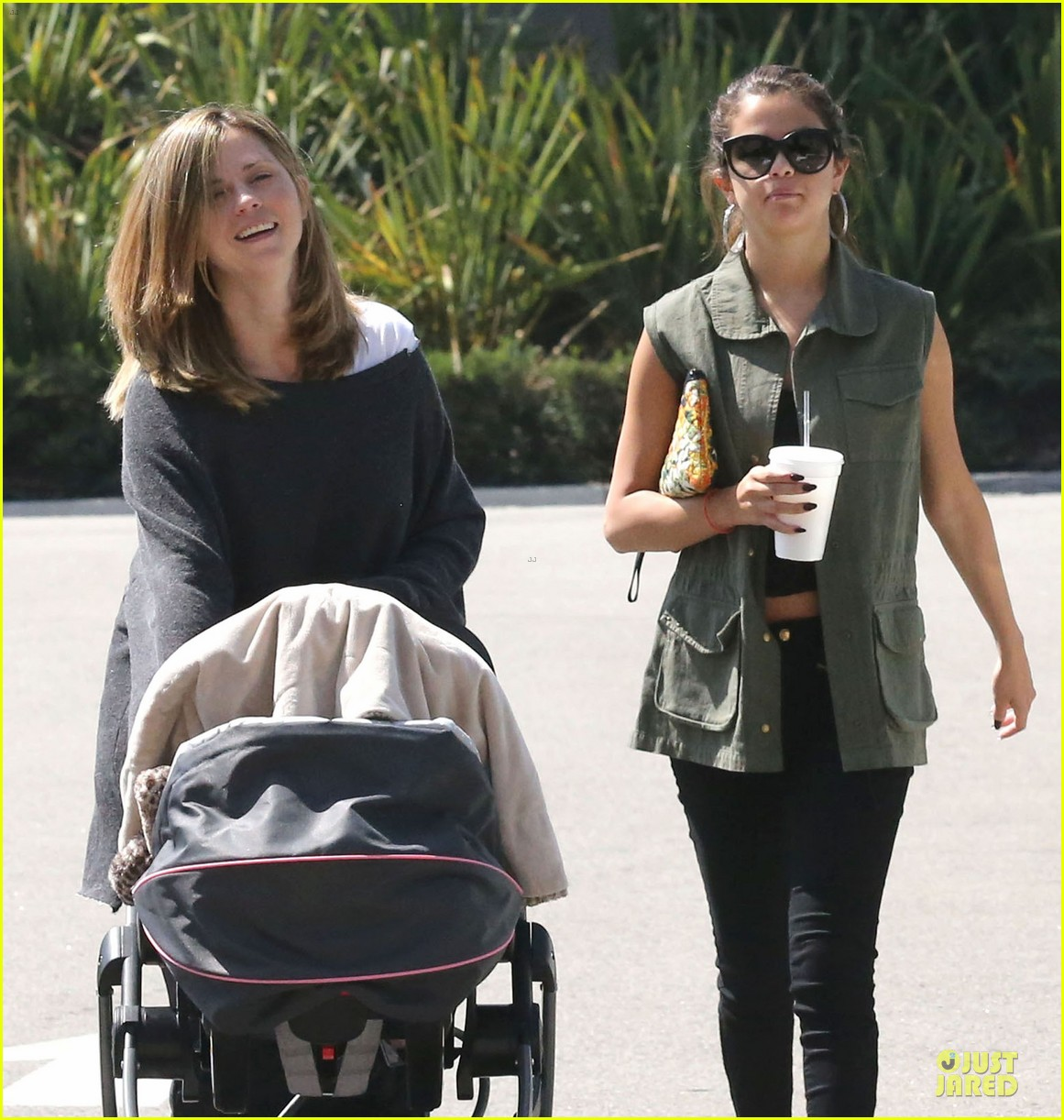 selena gomez bonds with baby sister gracie 022927435