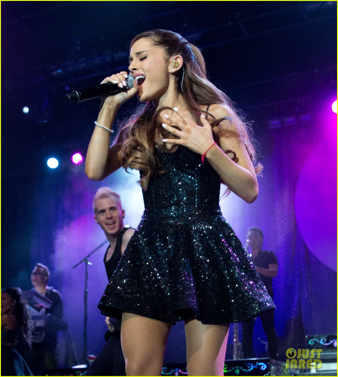 ariana grande the listening sessions in new york city 092930646