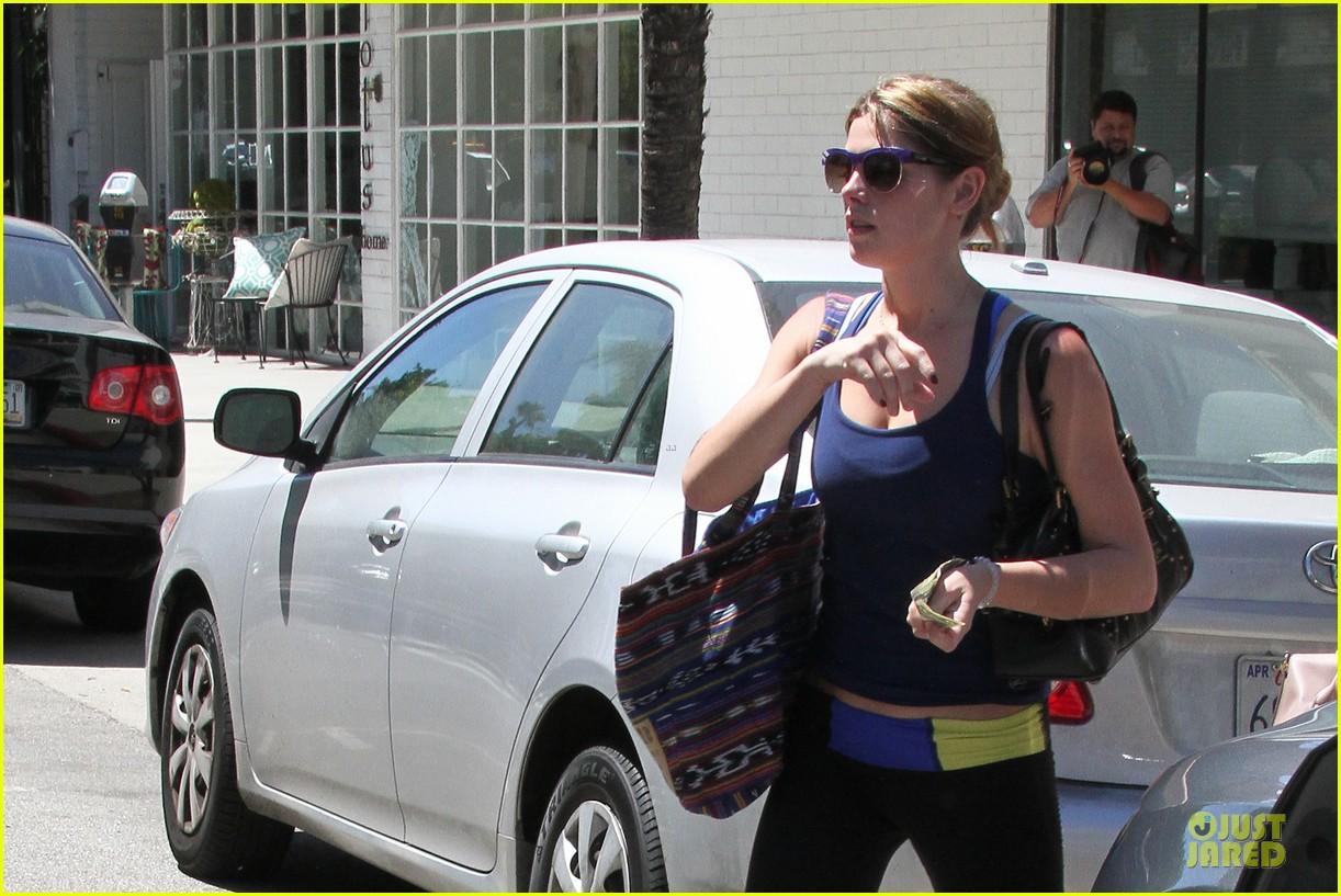 ashley greene works out twice in one day 27