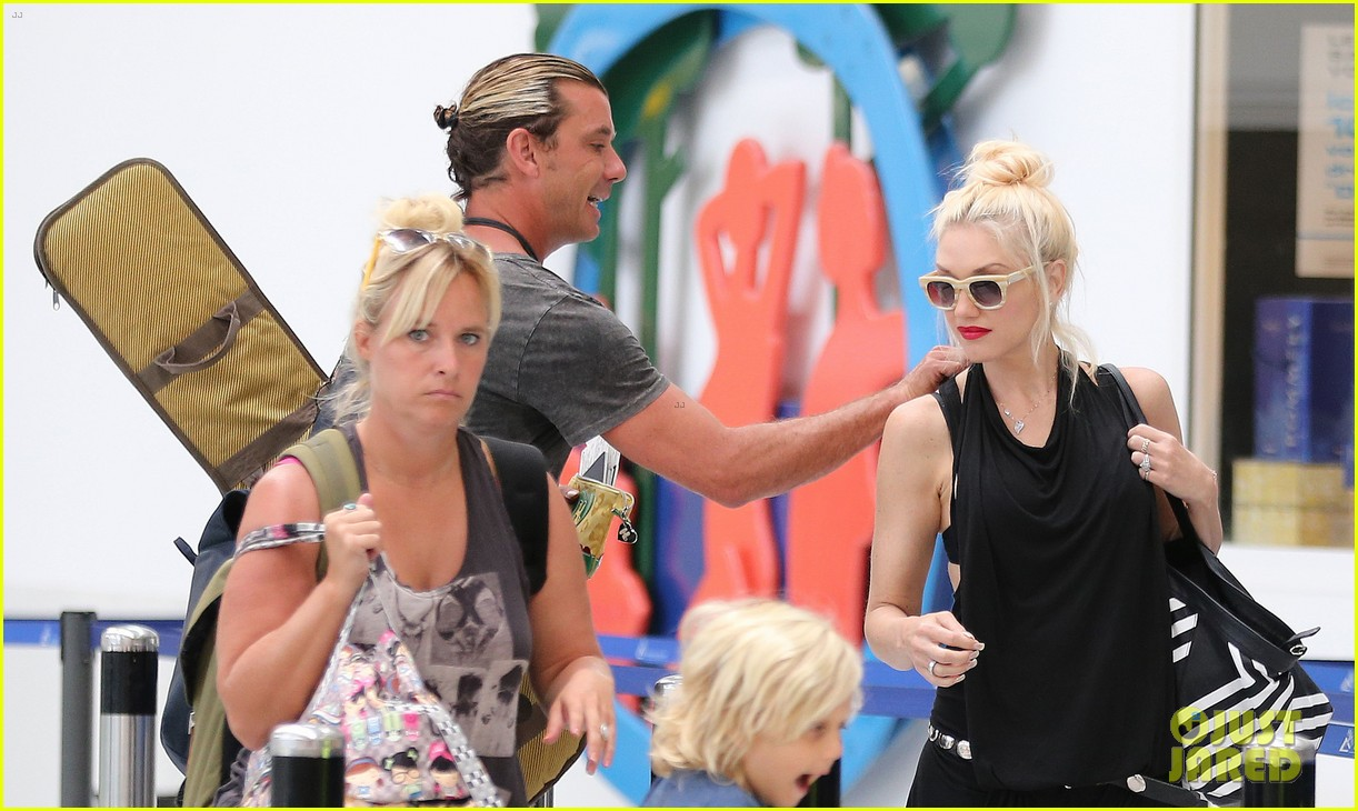 gwen stefani gavin rossdale back after paris vacation 192932953