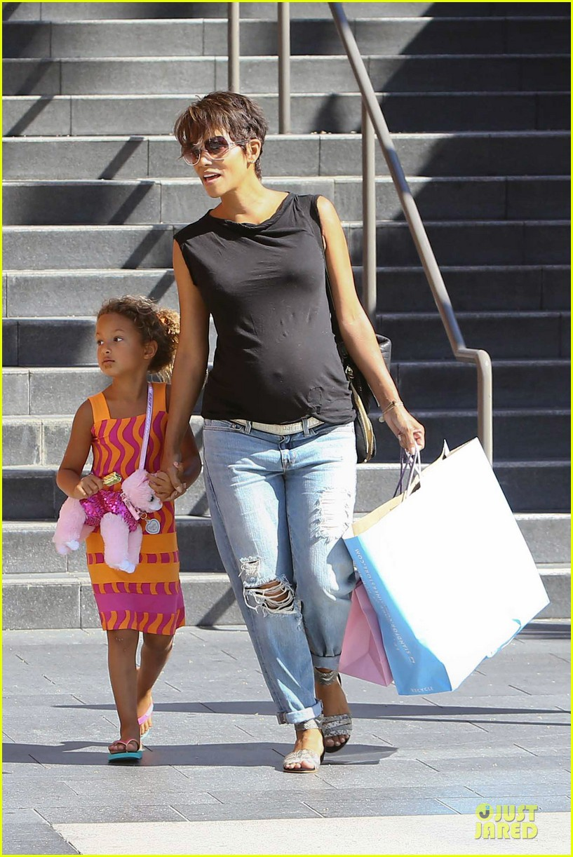 halle berry pregnancy colored involvement on x men 082924489