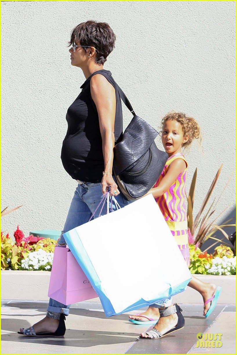 halle berry pregnancy colored involvement on x men 10