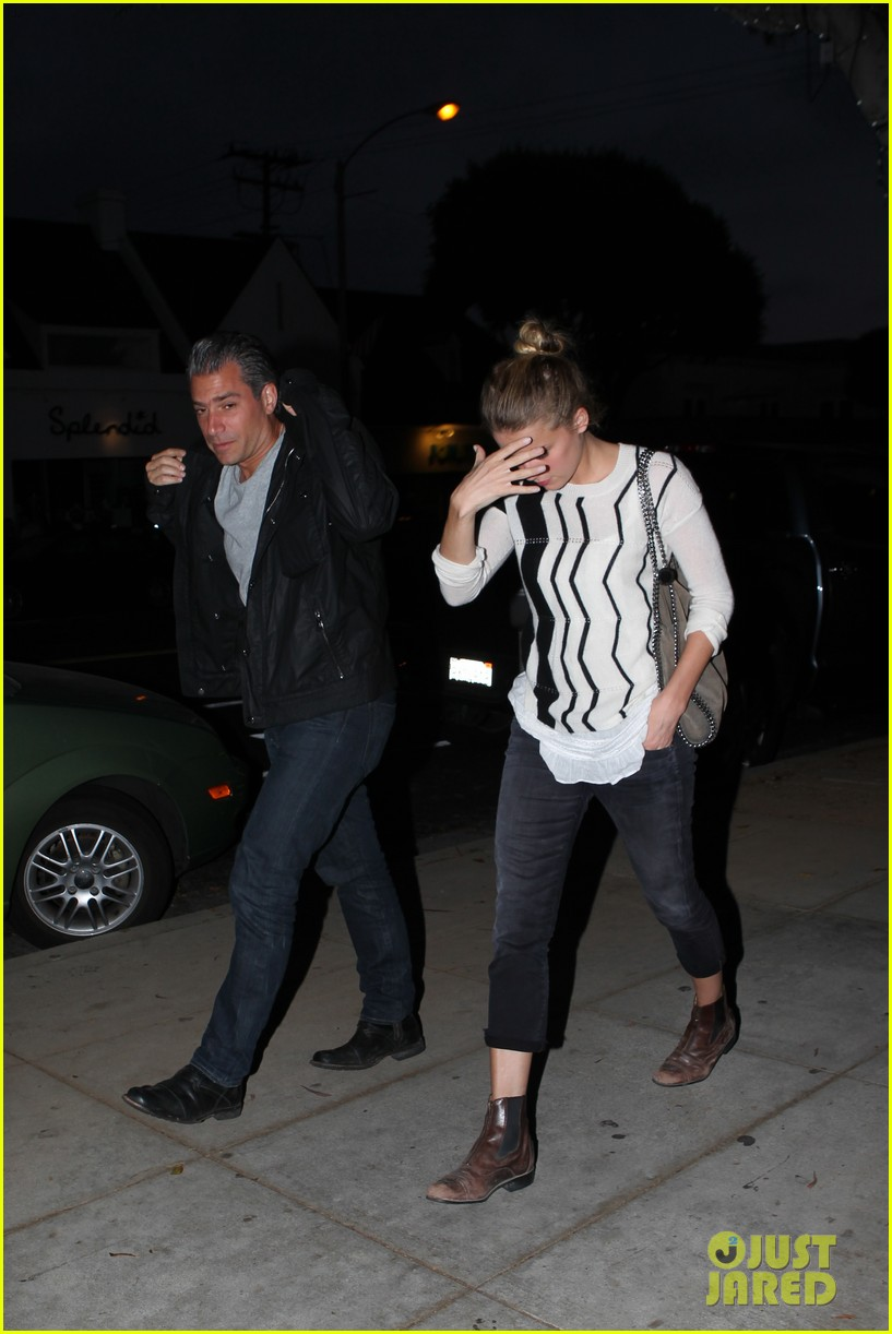 amber heard grabs dinner with talent agent christian carino 19