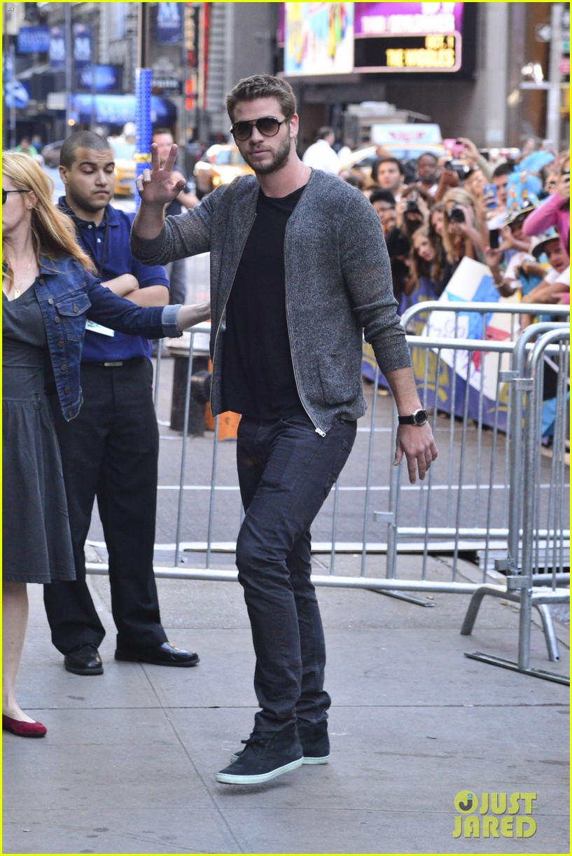 liam hemsworth ashton kutcher jason sudeikis gma guys 052924013