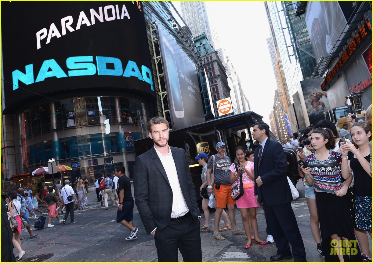 liam hemsworth i was pranked during paranoia love scene 082925008