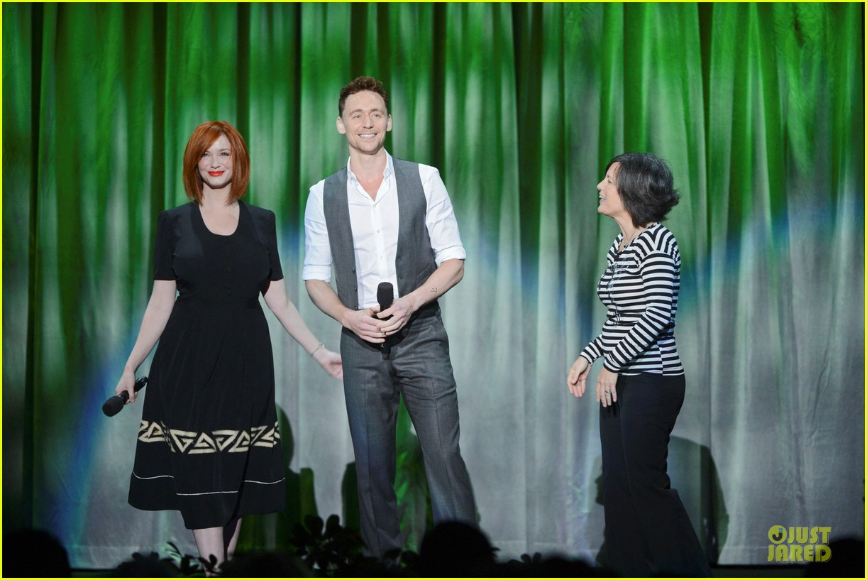 tom hiddletston christina hendricks the pirate fairy at disney d23 expo 122926947