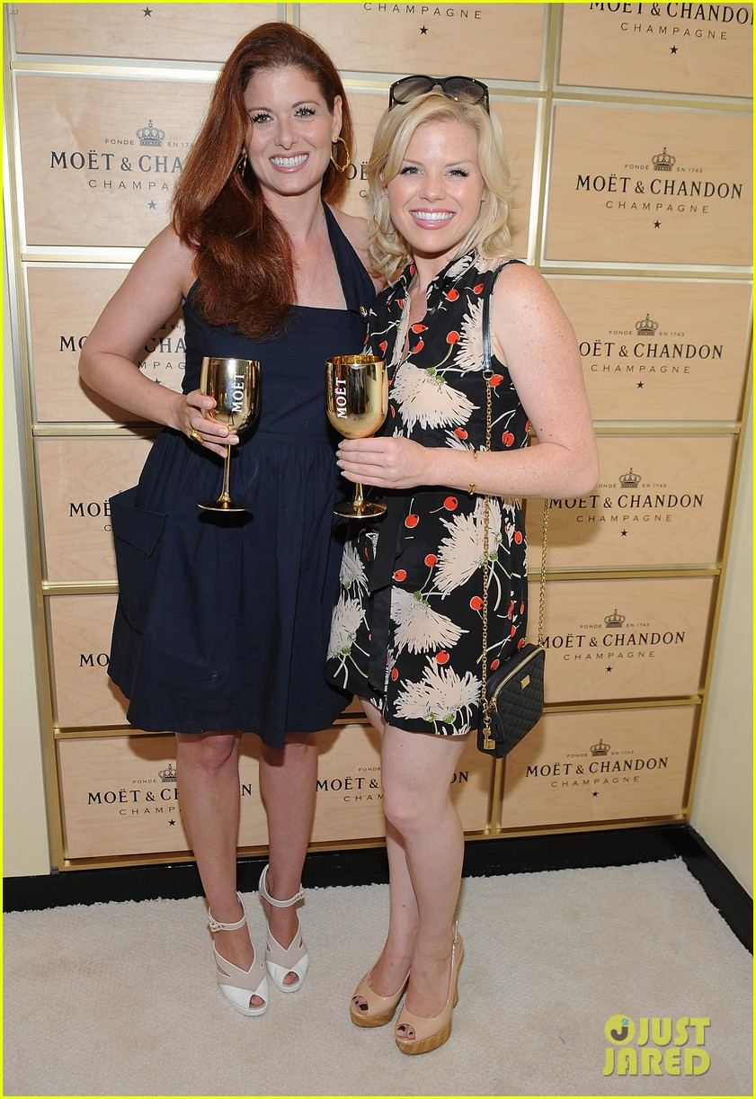 megan hilty debra messing smash reunion at us open 192941049