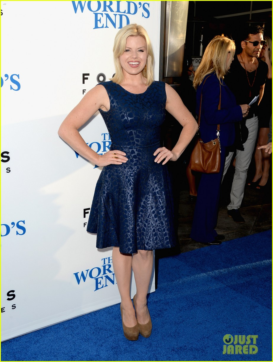 megan hilty brie larson worlds end hollywood premiere 032935259