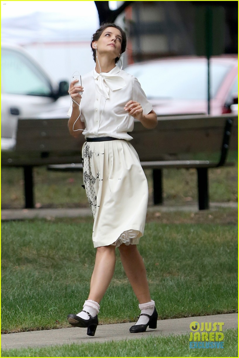 katie holmes dances along to songs on miss meadows set 262939820