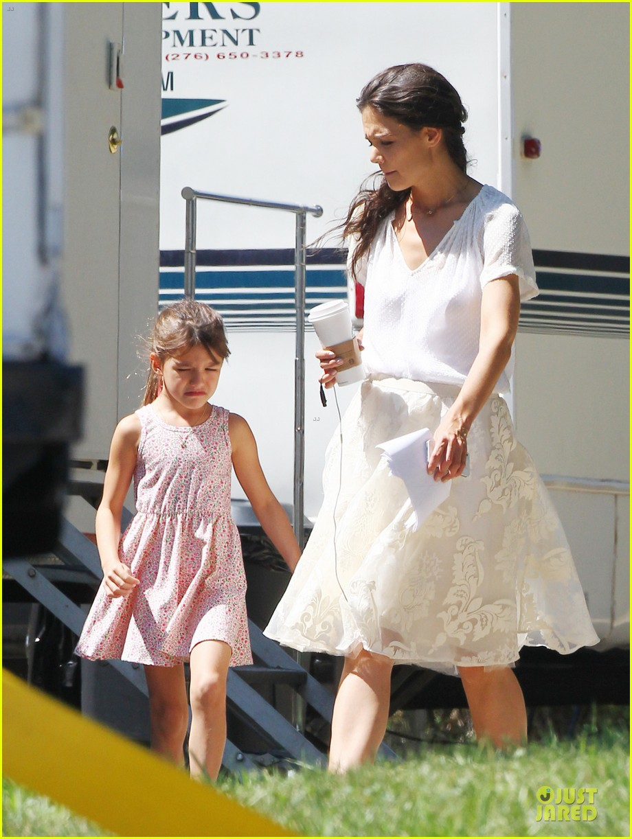 katie holmes white wedding dress on miss meadows set 03