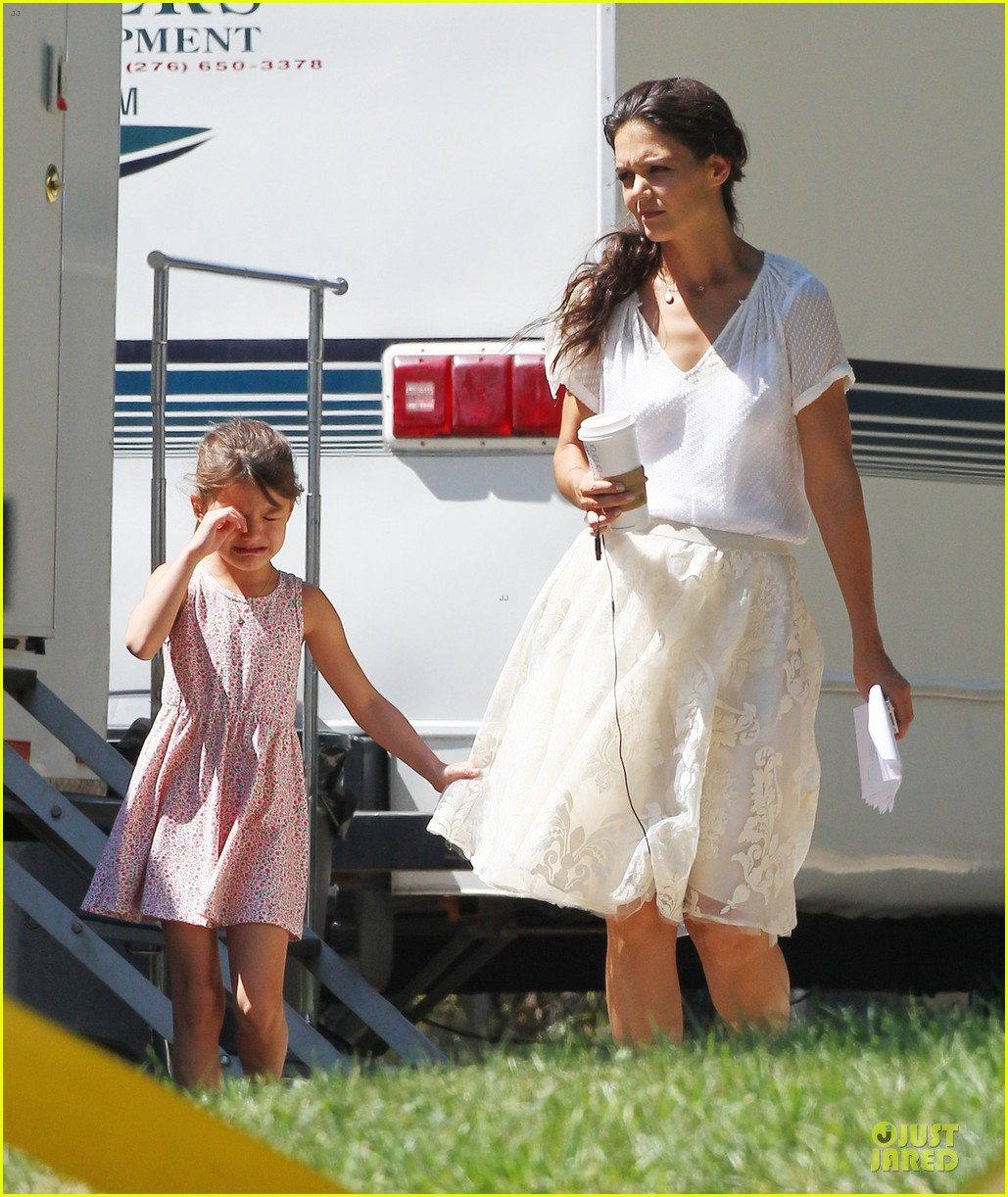 katie holmes white wedding dress on miss meadows set 06