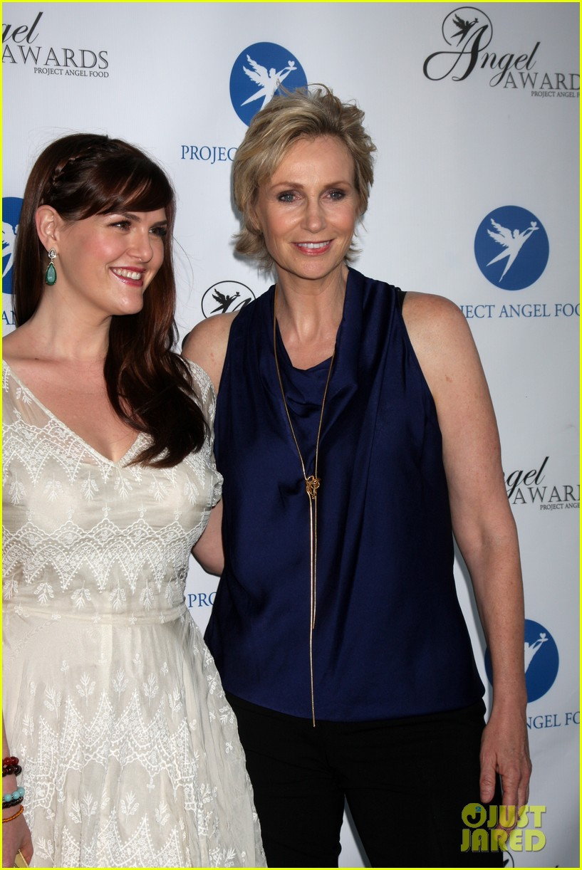 bryce dallas howard jane lynch project angel foods summer soiree 042927858