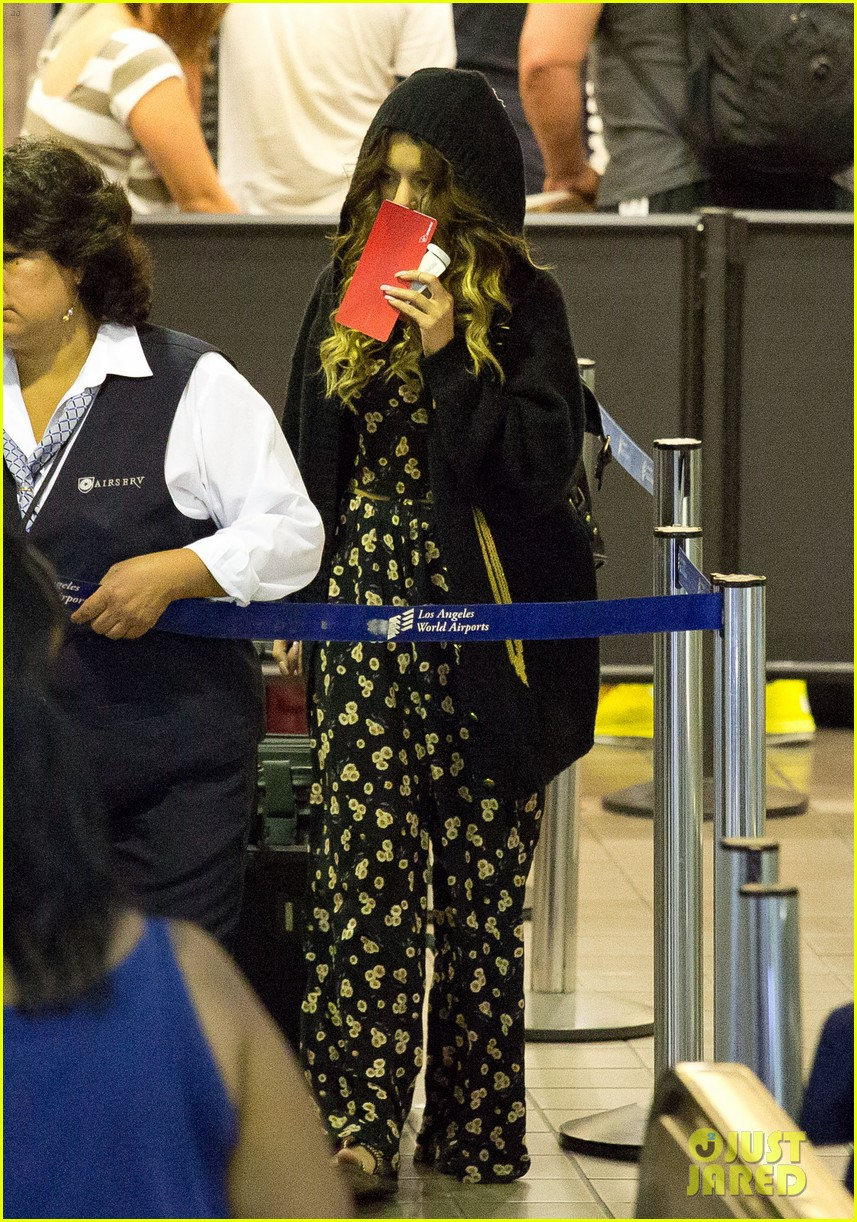 vanessa hudgens blonde again at lax 04