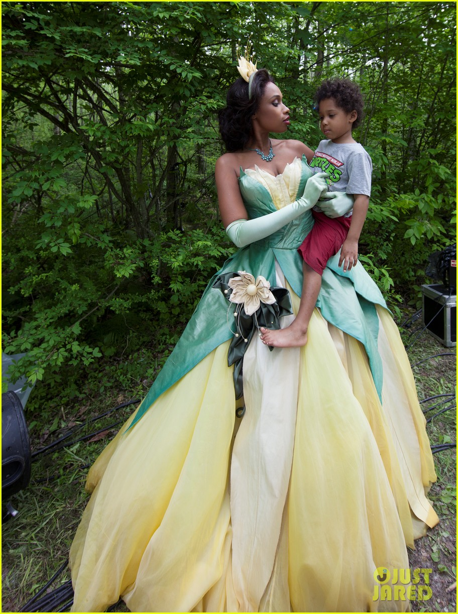 jennifer hudson princess tiana disney dream portrait 022935518