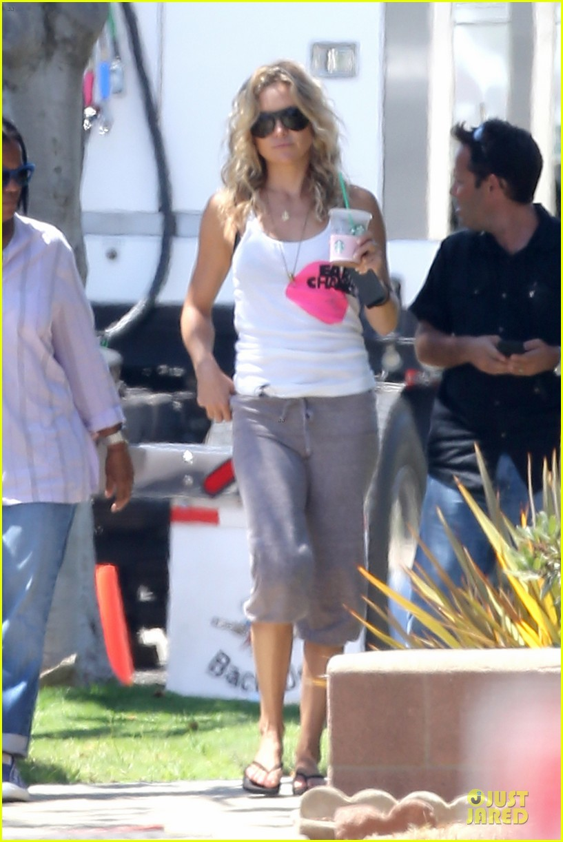 kate hudson wears two outfits on wish i was here set 152931802