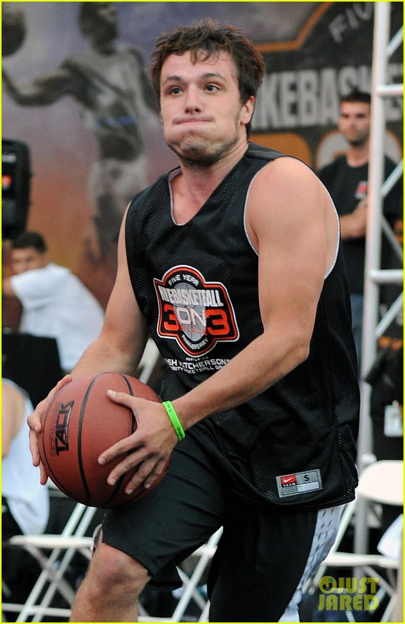 josh hutcherson james lafferty sbnn basketball game 06