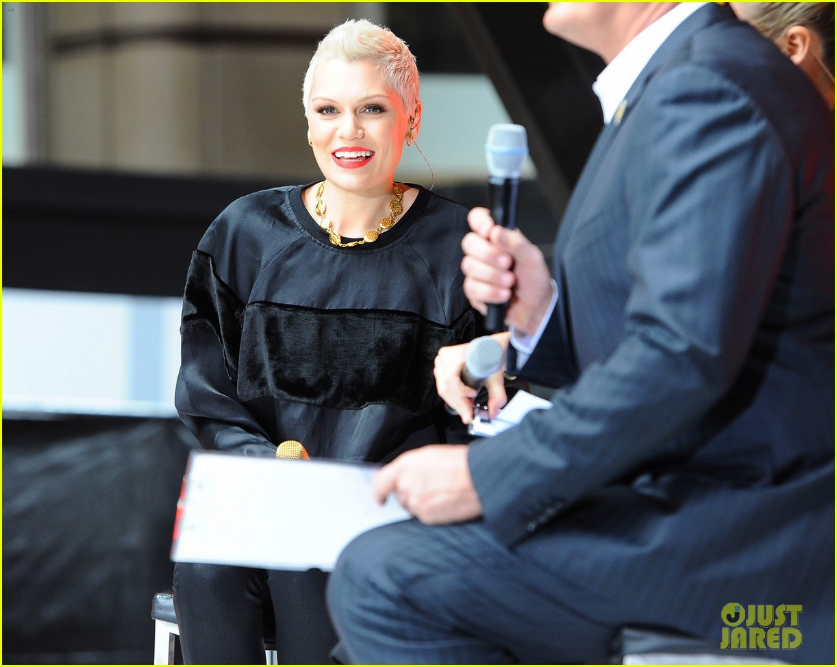 jessie j wild price tag live on sunrise 022936051