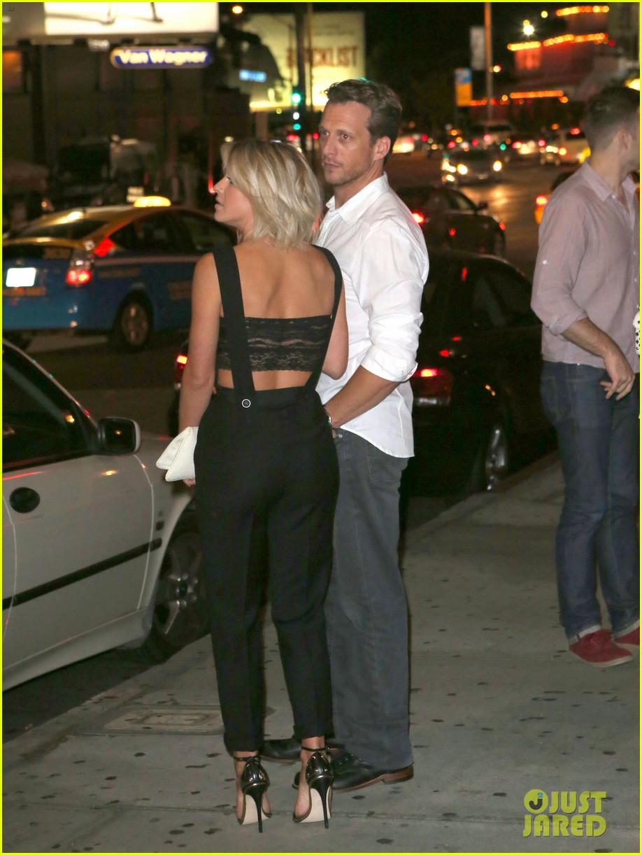who is julianne hough dating Julianne hough shares why she isn't on season 25 of 'dancing with the stars.