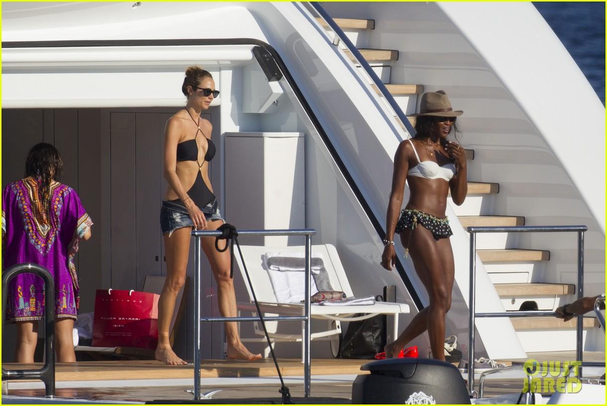 stacy keibler naomi campbell bikini babes in ibiza 14