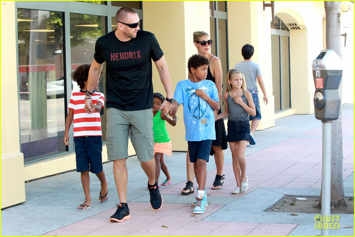 heidi klum martin kirsten beach bike ride with kids 222938456