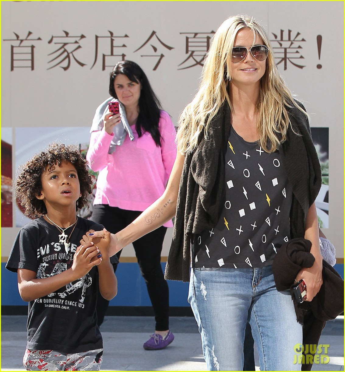 heidi klum enjoys family movie afternoon 042923798