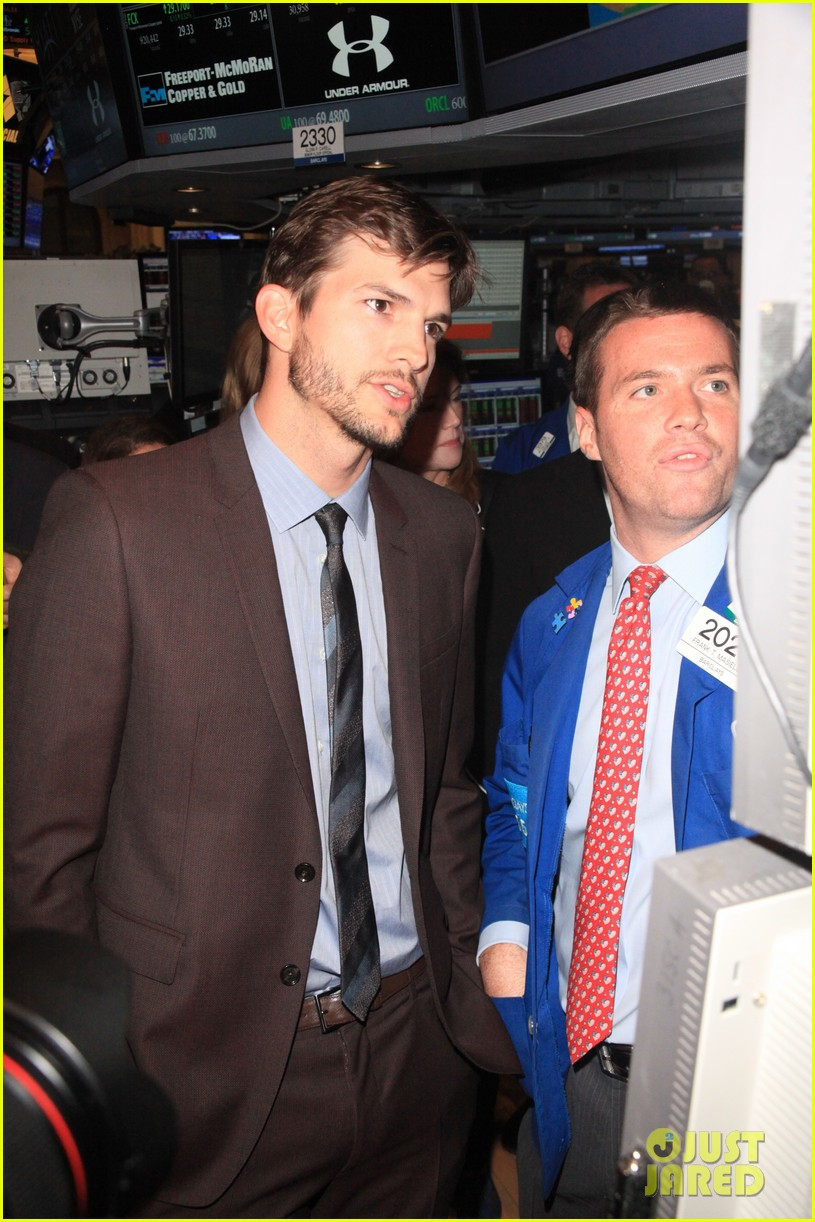 ashton kutcher rings new york stock exchange bell 112924825