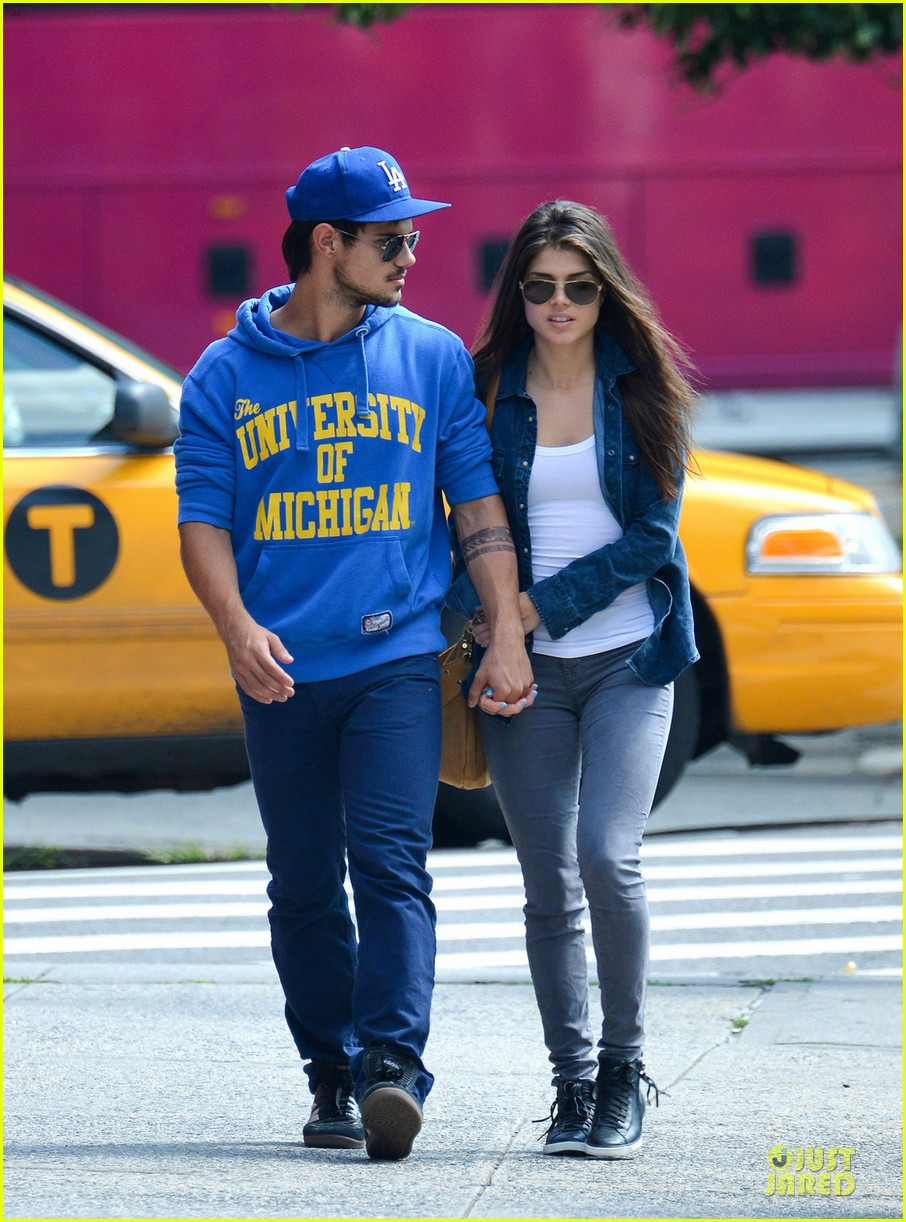 taylor lautner marie avgeropoulos romantic walk in nyc 06