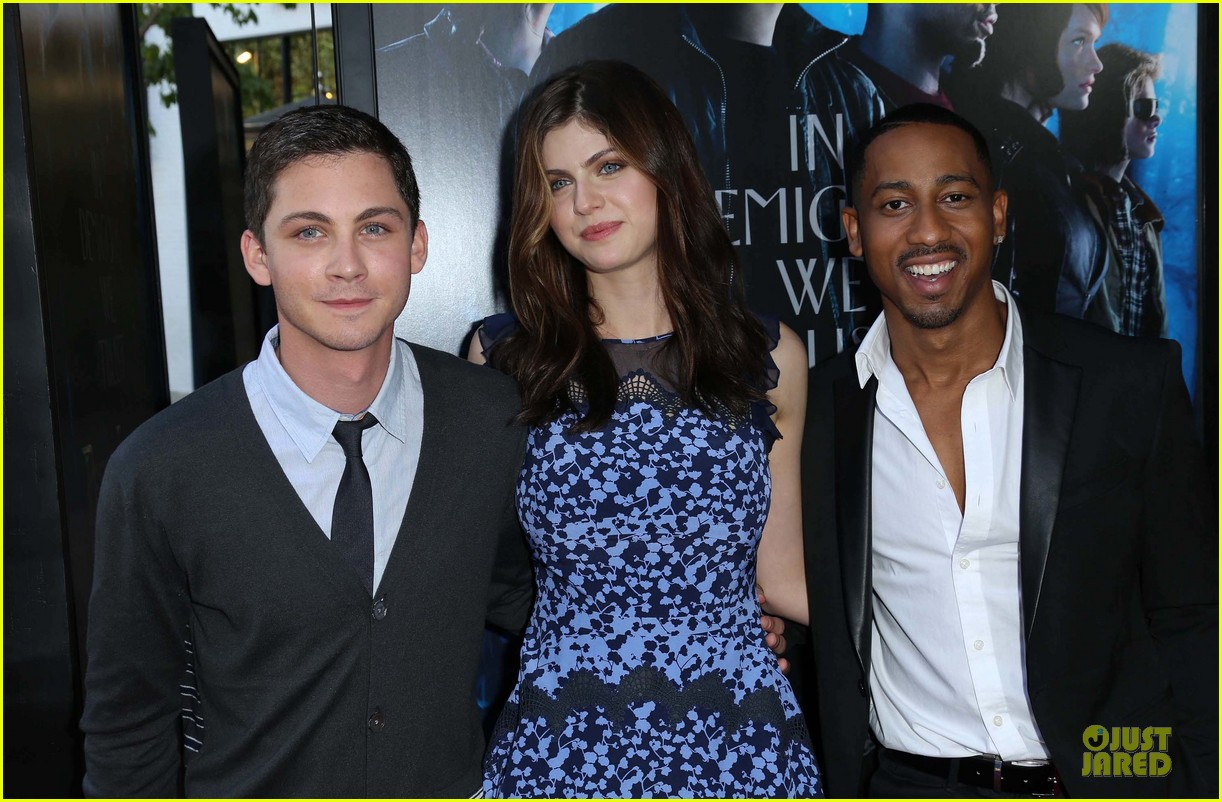 logan lerman alexandra daddario percy jackson la screening 022921304