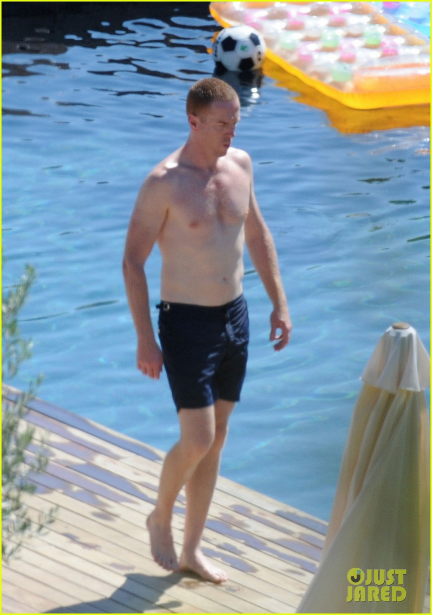 damian lewis shirtless family vacation in ibiza 01