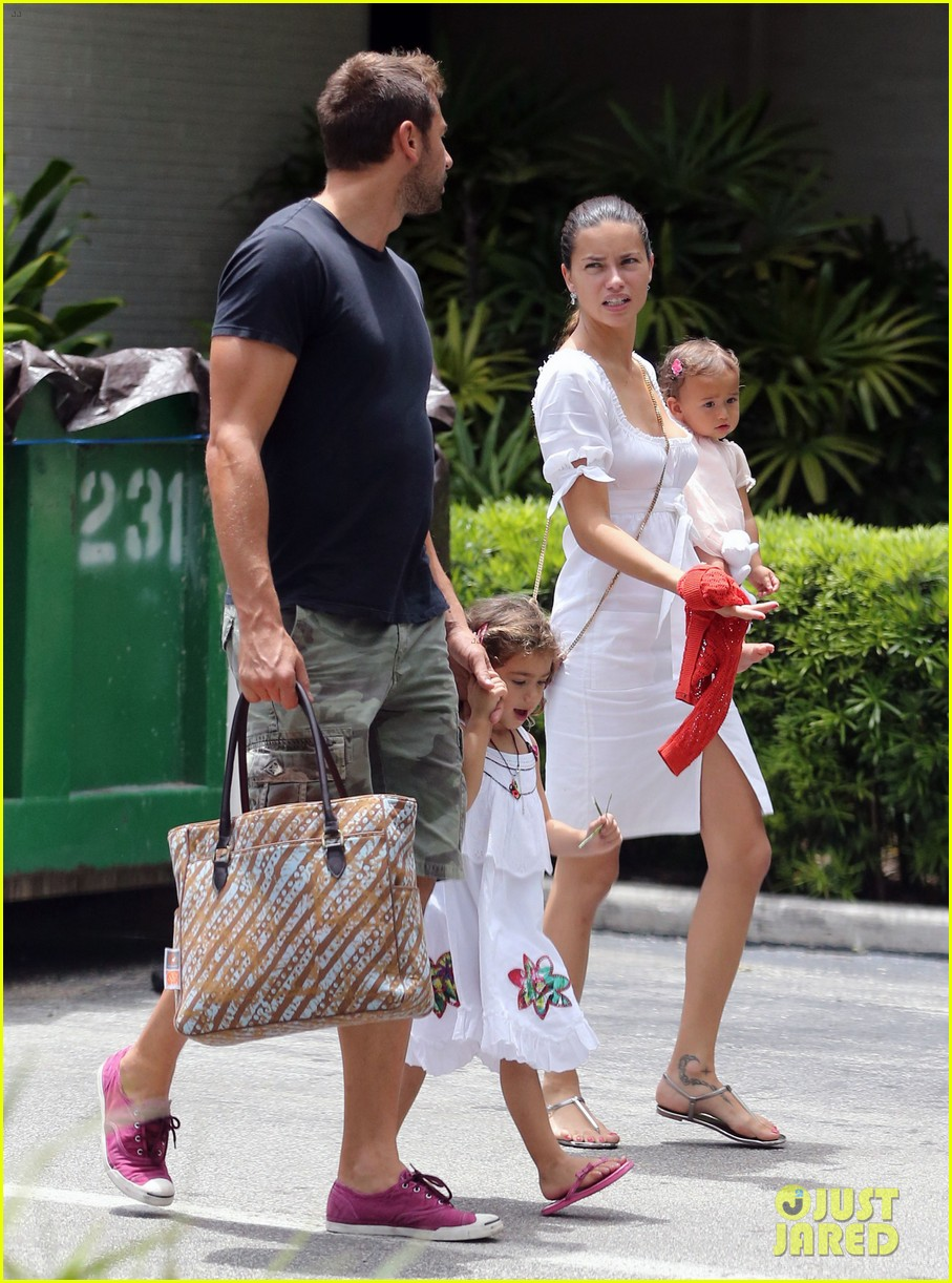 adriana lima spends relaxation day with her family 10