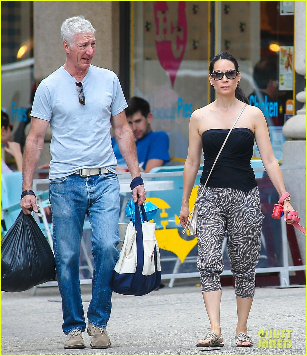 lucy liu new boyfriend hold hands in new york city 032932373