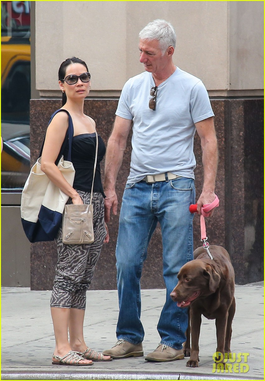 lucy liu new boyfriend hold hands in new york city 09
