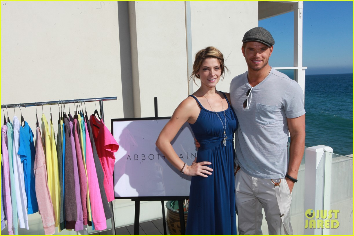kellan lutz abbot main launch with ashley greene 012933385